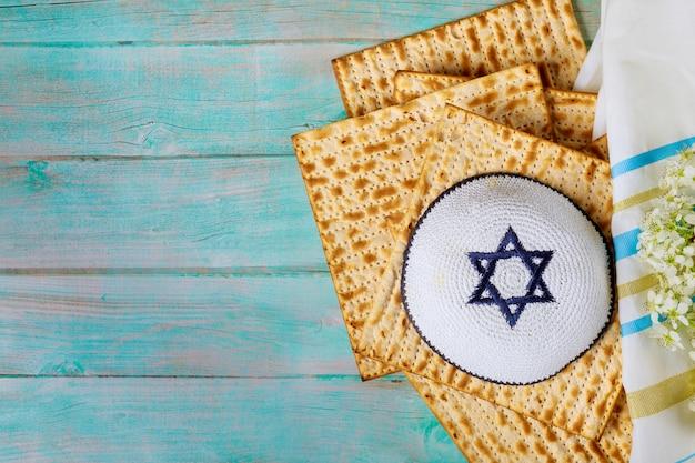 Pessach jüdische pesah urlaub matza haggada ein ungesäuertes brot Premium Fotos