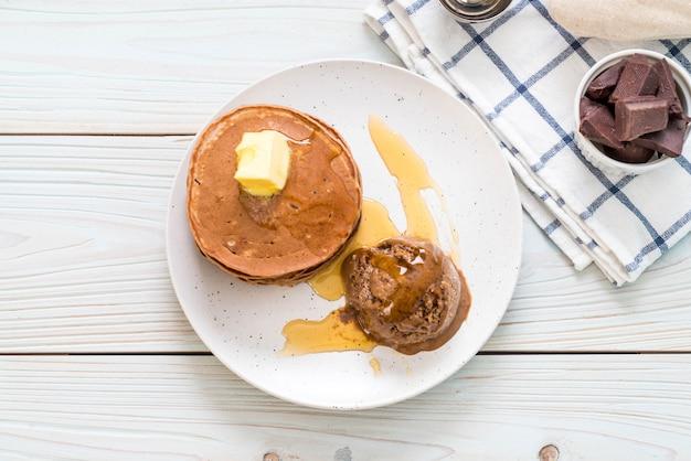Pfannkuchen mit schokoladeneis Premium Fotos