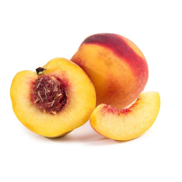 Pfirsich auf dem tisch Kostenlose Fotos