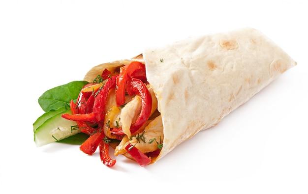 Pita gefüllt mit hühnchen und paprika Kostenlose Fotos