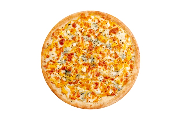 Pizza getrennt auf weißem hintergrund. heißer fast food 4 käse mit mozzarella und blauschimmelkäse. Premium Fotos