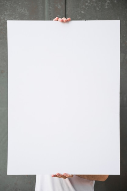 Plakat halten Kostenlose Fotos