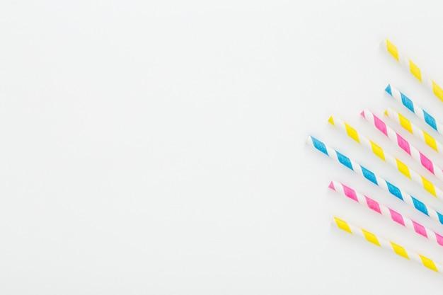 Plastikstrohhalme zum kopieren Premium Fotos