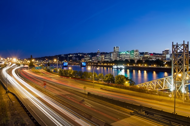 Portland oregon city autobahn licht wege Premium Fotos