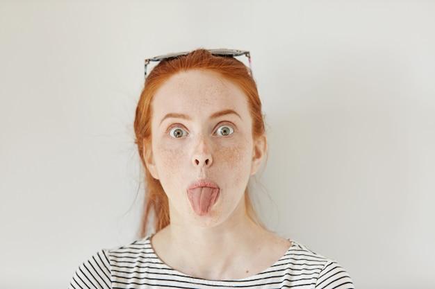 Teen Mädchen Zunge Küssen