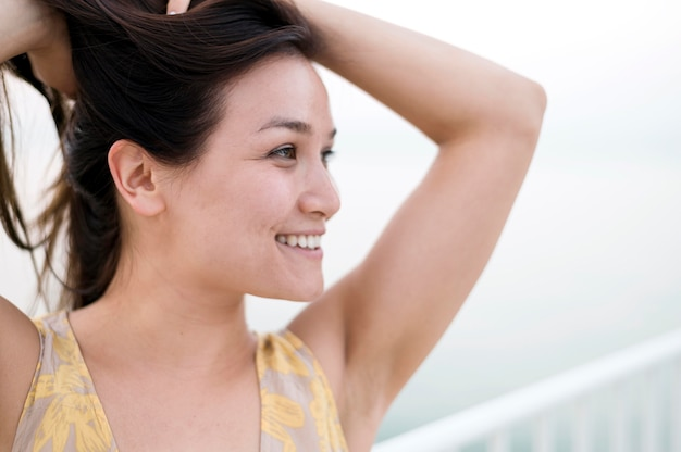 Porträt des asiatischen jungen weiblichen modells Kostenlose Fotos