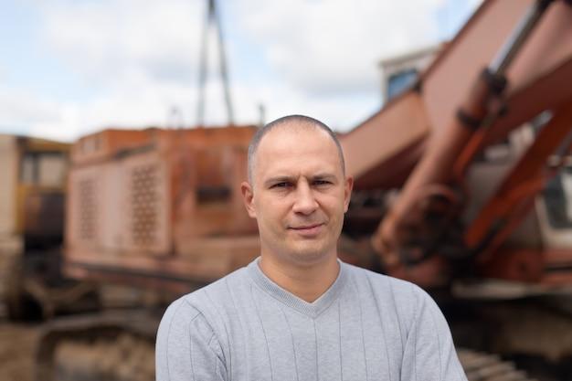 Porträt des traktorbetreibers Kostenlose Fotos