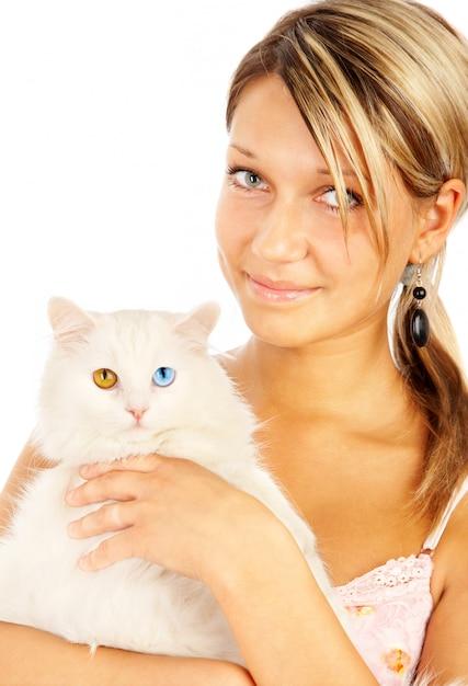 Porträt einer frau und einer katze mit bunten augen Premium Fotos