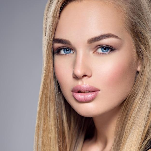 Make augen blond up blaue Blaue Augen