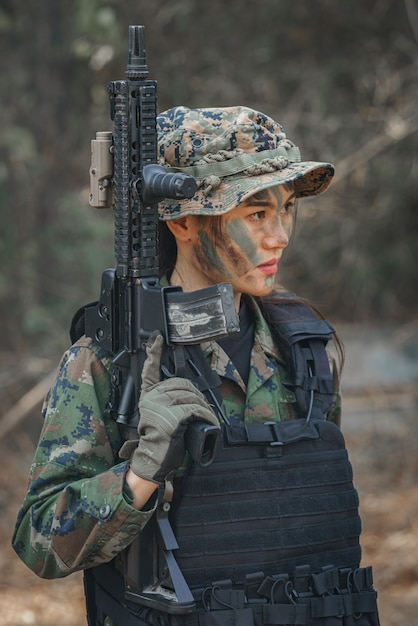 Porträt einer soldatin Premium Fotos