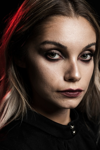 Porträt von blondinen mit make-up Kostenlose Fotos