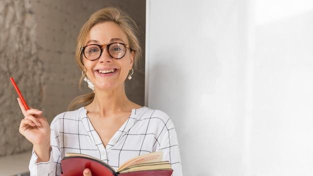 Porträtlehrer mit tagesordnung Premium Fotos