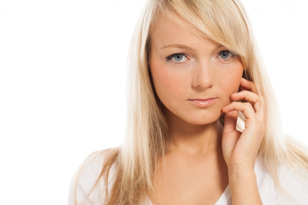 Portrait der jungen attraktiven frau Kostenlose Fotos