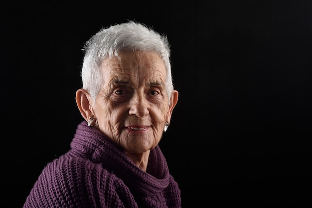 Portrait einer älteren frau Premium Fotos