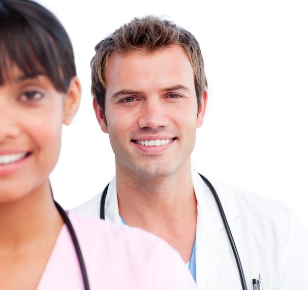 Portrait von zwei frohen doktoren Premium Fotos