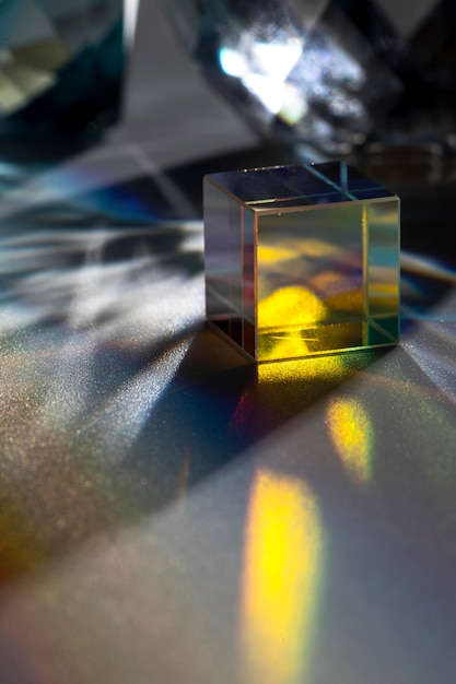 Prisma, das bunte lichter zerstreut Kostenlose Fotos