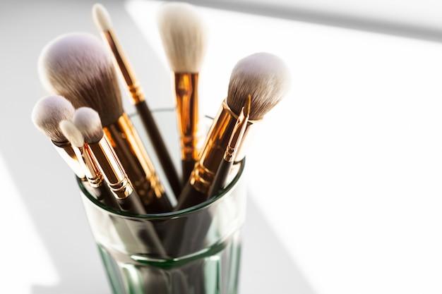 Professioneller schminkpinsel Premium Fotos