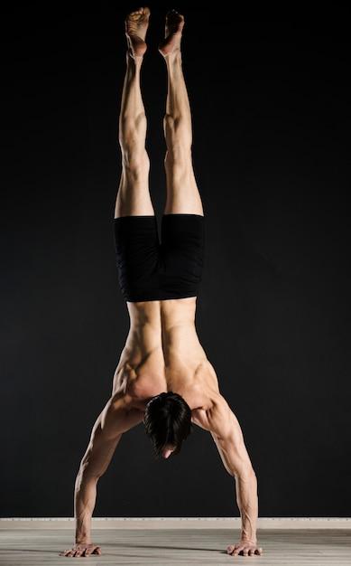 Professionelles training für männliche models Kostenlose Fotos