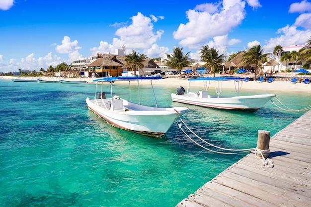 Puerto morelos strand in der riviera maya Premium Fotos