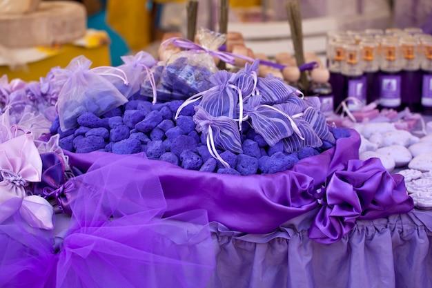Purpurrotes lavendelbadesalz Premium Fotos