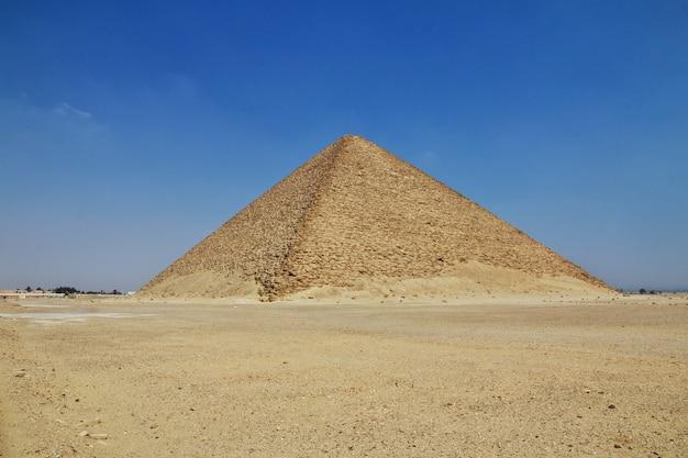 Pyramiden in dahshur, sahara-wüste, ägypten Premium Fotos