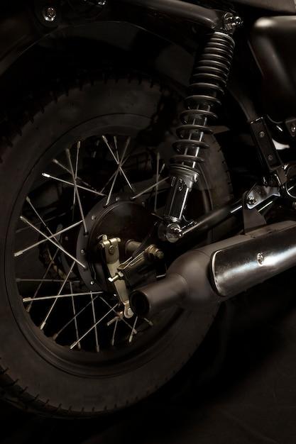 Räder eines caférennfahrerartmotorrades Kostenlose Fotos
