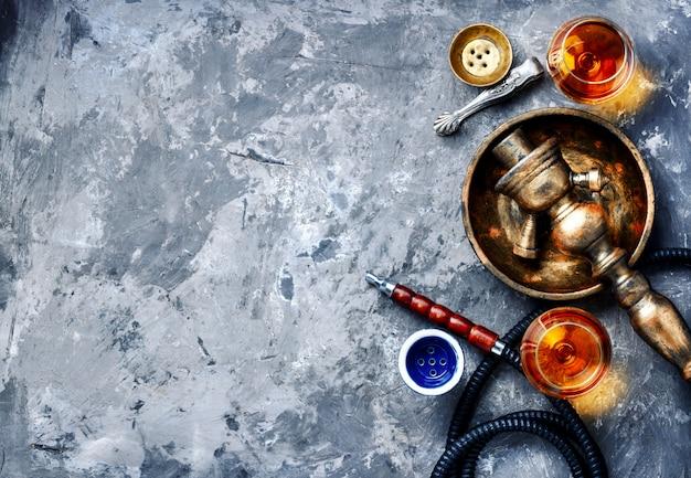 Räucherhuka mit brandygeschmack Premium Fotos
