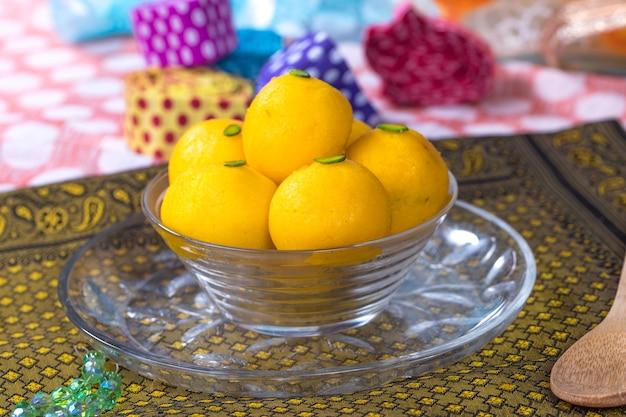 Rajbhog süßspeise Premium Fotos