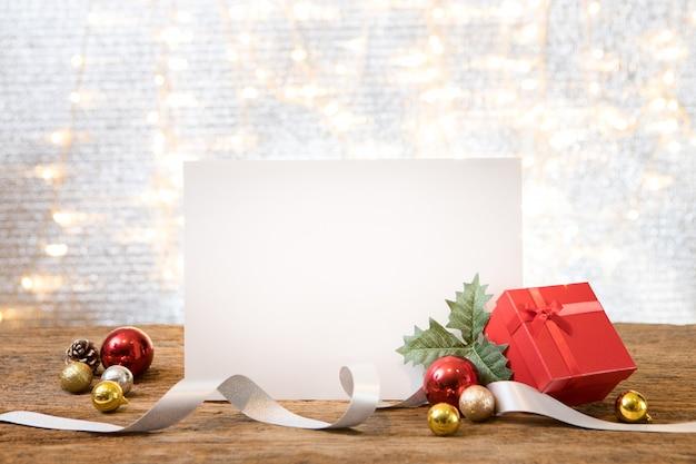 Raum-geschenkgeschenkraumhintergrund-grußkarte des weihnachtsneuen jahres Premium Fotos