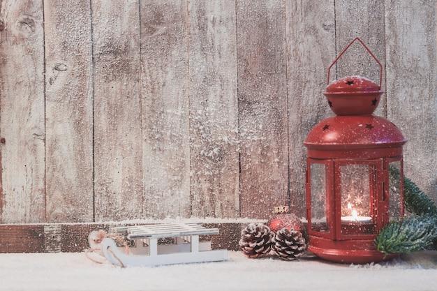 red antike lampe mit einer brennenden kerze download der. Black Bedroom Furniture Sets. Home Design Ideas