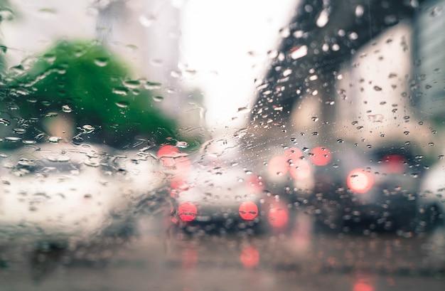 Regentropfen auf autoglas Kostenlose Fotos