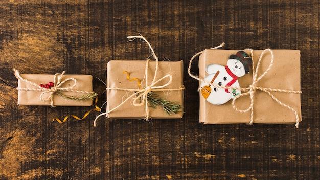 Reihe der weihnachtsgeschenke Kostenlose Fotos