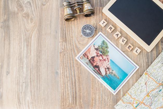 Reisekonzept mit zusammensetzung der verschiedenen elemente Kostenlose Fotos