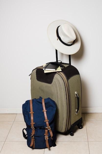 Reisetaschen bereit für die reise Kostenlose Fotos
