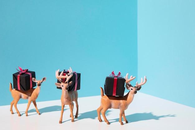 Rentierspielzeug mit geschenken Kostenlose Fotos