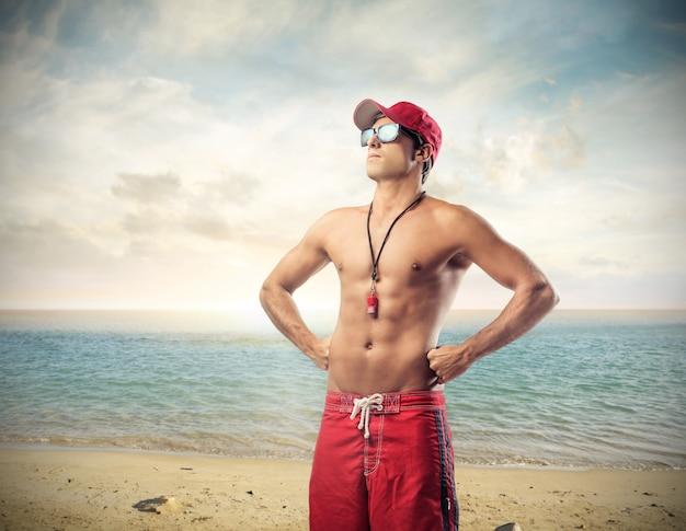 Rettungsschwimmer am strand Premium Fotos
