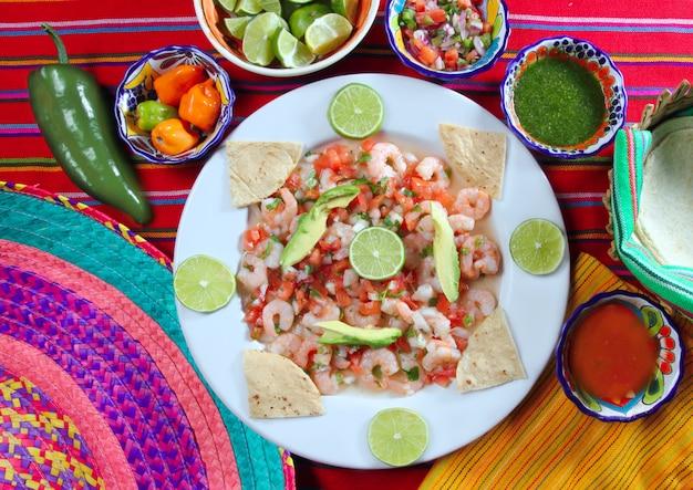 Roher meeresfrüchtesalat mexiko camaron-garnele ceviche Premium Fotos