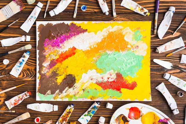 Rohre und bürsten um abstrakte malerei Kostenlose Fotos