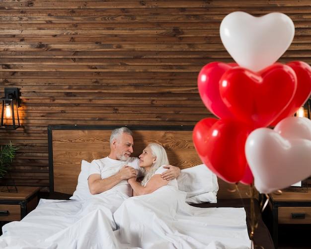 Romantische atmosphäre am valentinstag Kostenlose Fotos