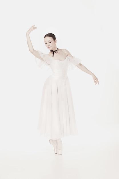 Romantische schönheit. ballerina im retro-stil Kostenlose Fotos