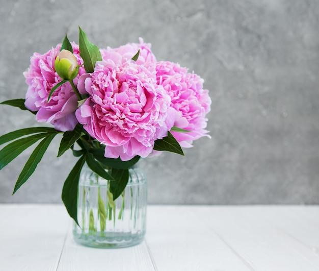 Rosa pfingstrosenblumen Premium Fotos