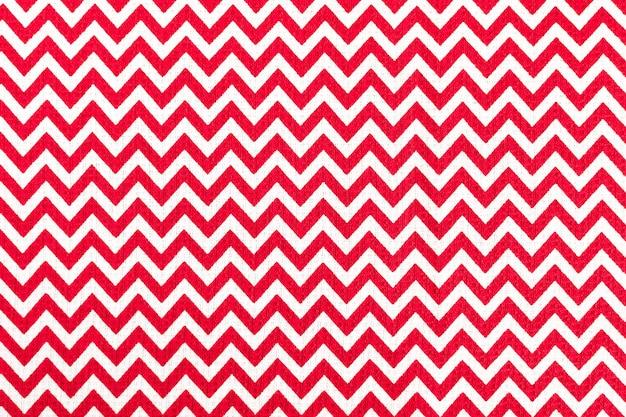 Rot mit weißer stofftischdecke, weihnachtshintergrund, kopienraum Premium Fotos