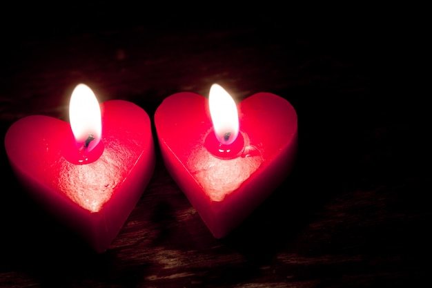 Rote Kerzen in der Fotze