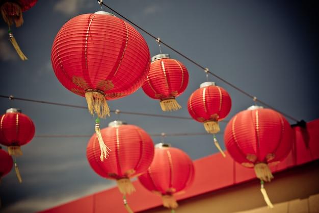 Rote chinesische papierlaternen Premium Fotos