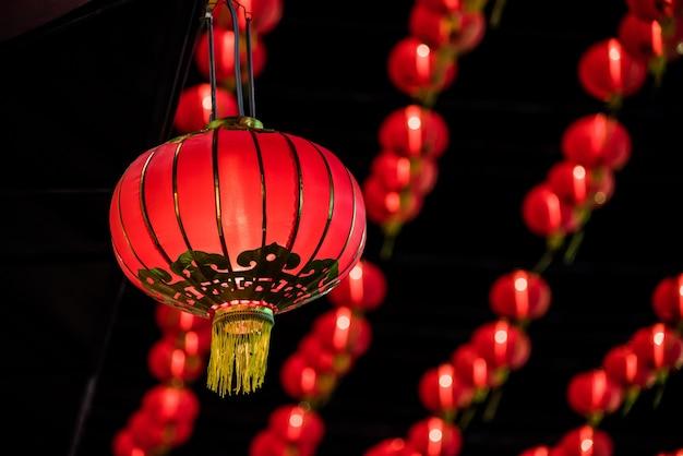 Rote laterne des neuen jahres des chinesischen neujahrsfests an yaowarat straße, bangkok thailand Premium Fotos