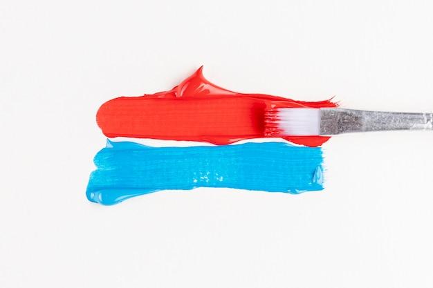 Rote und blaue farbspuren Kostenlose Fotos