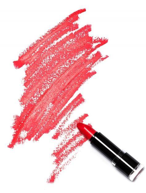 Roter lippenstift mit spuren Premium Fotos