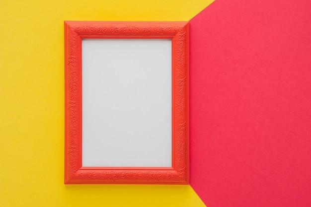 Roter rahmen auf zweifarbigem hintergrund Kostenlose Fotos