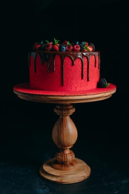 Roter samtsommer-fruchtkuchen. Premium Fotos