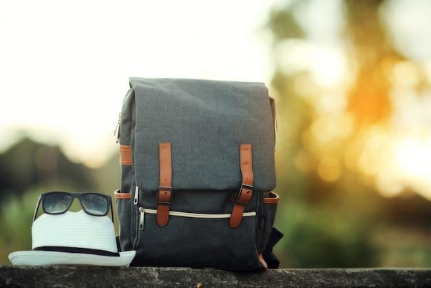 Rucksack mit sonnenuntergang Kostenlose Fotos